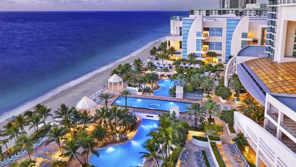 Westin-Diplomat-Pool-Beach-e1406236079628